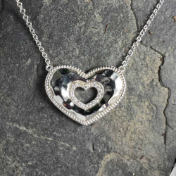 open-heart-pendant-wg